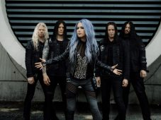 "imagen de Arch Enemy – Revela segundo vídeo musical ""The Eagle Flies Alone"""