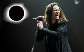 imagen de Ozzy Osbourne toca «Bark At The Moon» durante el Eclipse Solar [Videos]