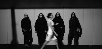 """imagen de Escucha el cover de """"Nothing Sacred"""", por Sinistro"""