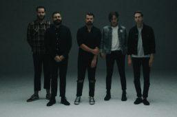 """imagen de SILVERSTEIN ha lanzado un vídeo musical para la canción """"Whiplash"""""""