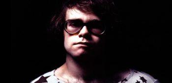 imagen de Queens of the Stone Age, Coldplay y Miley Cirus, entre otros, homenajean a Elton John en álbum tributo