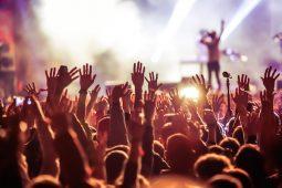 imagen de ¿Por qué los festivales de música metal son el lugar perfecto para encontrar pareja?