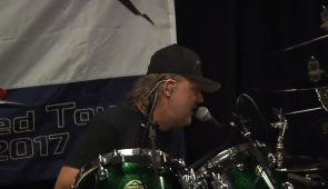 imagen de Mira a Metallica tocando un cover de Judas Priest con Lars Ulrich en las voces
