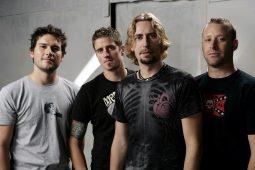 imagen de Al bajista de Nickelback le encantaría grabar un album de covers de Slayer.