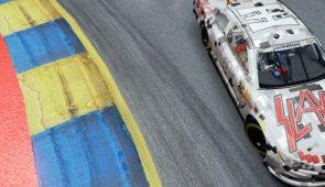 imagen de SLAYER está patrocinando un auto de NASCAR para promover su gira final